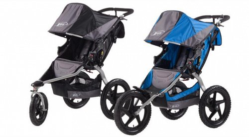 Safety warning issued for popular baby stroller because front wheel can detach while in use