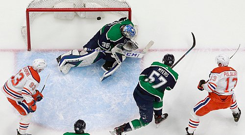 Another winless week for the Canucks, playoff hopes fading away